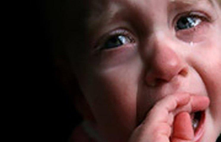 У Хмельницькому матір жорстоко побила малюка