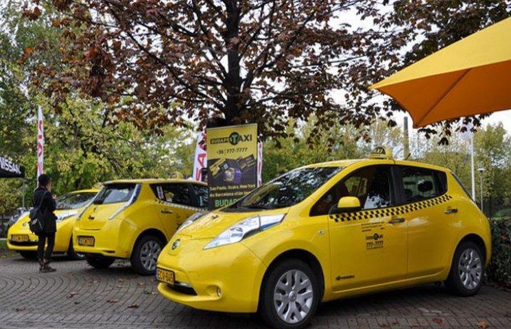 """Невдовзі у Хмельницькому запрацює дешеве """"електро-таксі"""""""
