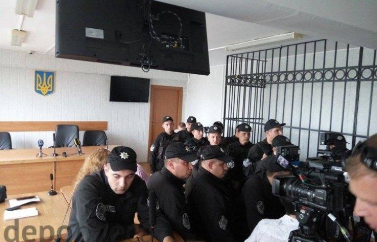 """В Одесі в судовій залі у """"справі 2 травня"""" відбулася сутичка"""