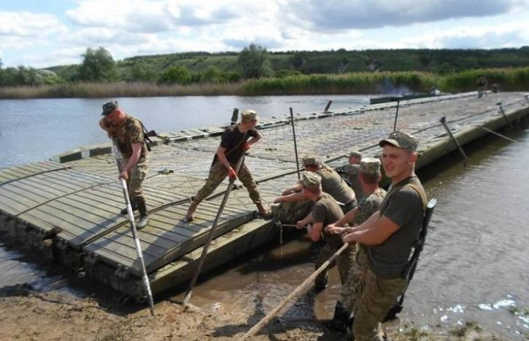 Як на Луганщині сили АТО форсують річки (ФОТО)