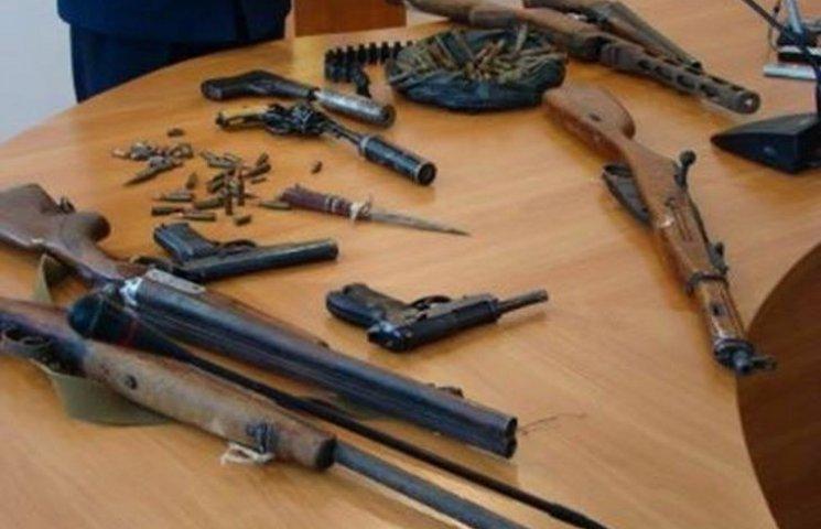 """80% зброї на руках жителів Хмельниччини має """"східне"""" походження"""