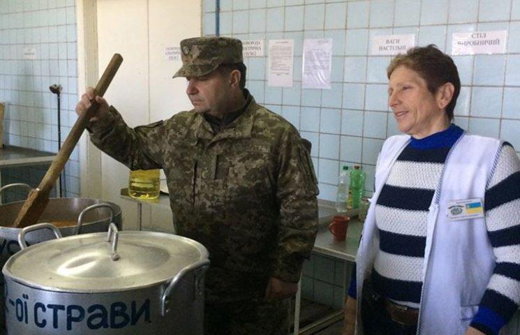 """Бірюков розповів, як Полторак """"обматюкав"""" ремонт їдальні на """"Широкому Лані"""""""