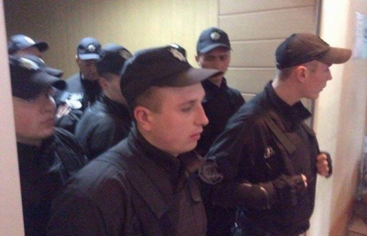 Представників ЗМІ в Одесі не пускають до зали суду у справі Мефьодова
