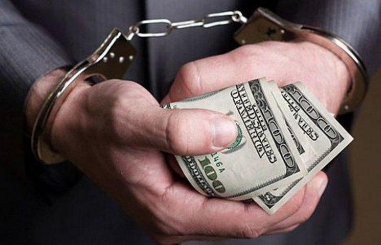 На Одещині на хабарі затримали податківця