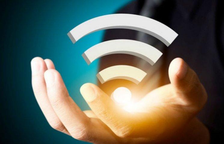 У Черкасах на двох зупинках запрацював безкоштовний Wi-Fi