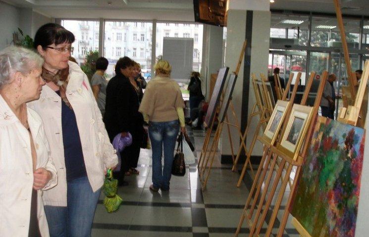 У Вінницькій міськраді запрацювала художня експозиція