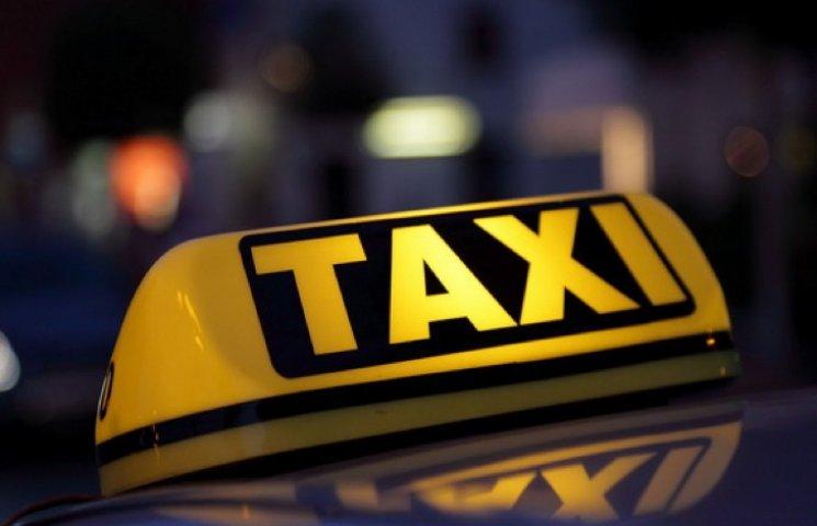 У Хмельницькому пограбували таксиста