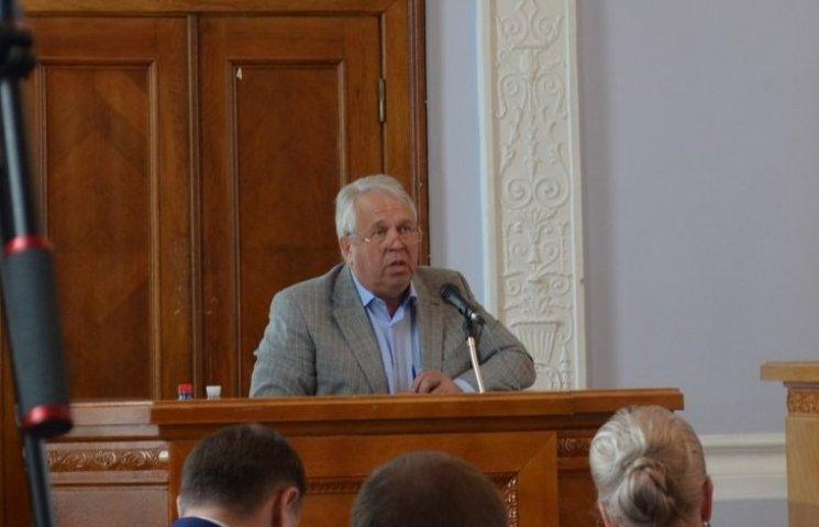 У Миколаєві транспортну магістраль знову забили роздовбаними маршрутками