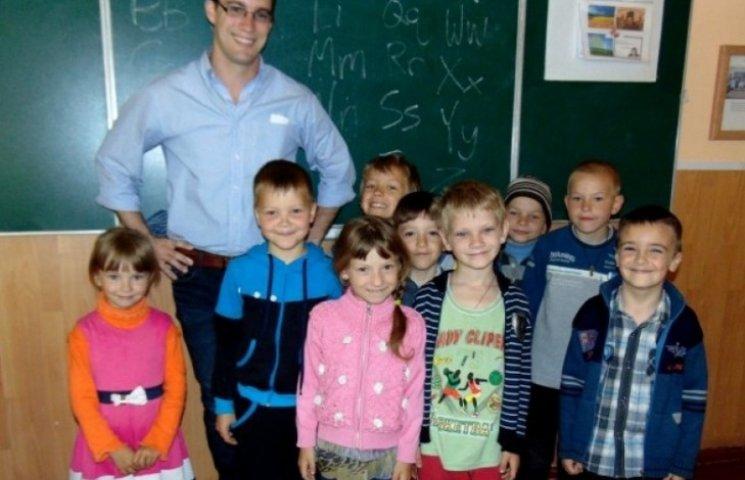 Волонтер Корпусу Миру США буде два роки працювати у гімназії на Одещині