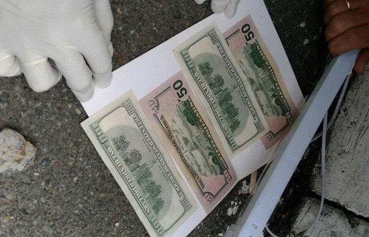СБУ затримала на хабарі двох хмельницьких поліцейських