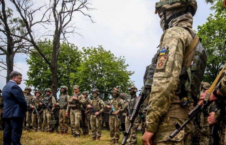 Порошенко проверил быт николаевской 79 бригады