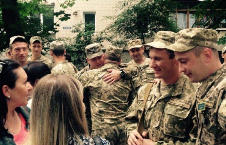 Чергова група військових вирушила на Донбас з Кам