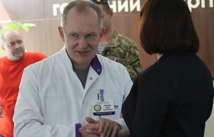 Главврач больницы Мечникова заявил о поддержке Татьяны Рычковой на выборах в округе 27