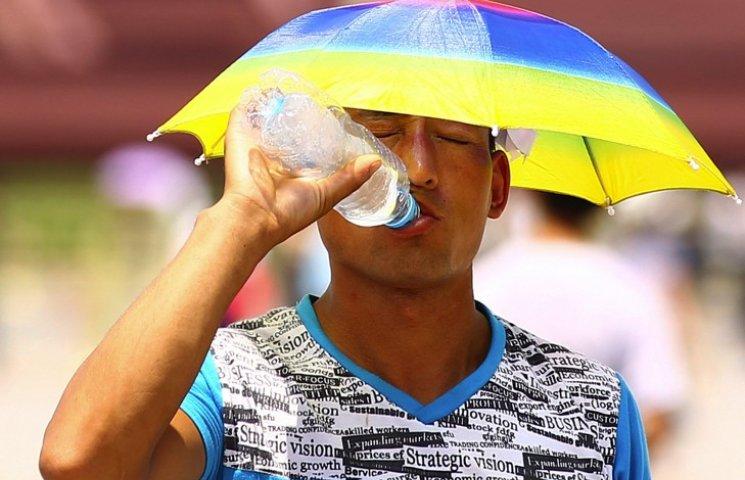 Понеділок на Хмельниччині обіцяє бути мокроватим і спекотним