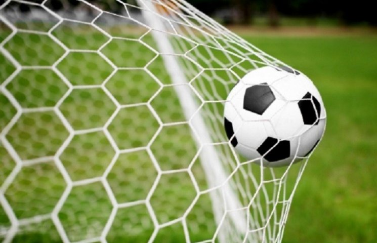 У Миколаєві триває чемпіонат міста з футболу