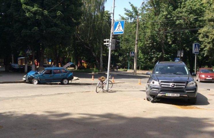 У центрі Хмельницького пререкрита вулиця через аварію