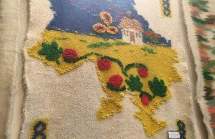 У Вінниці стартувала виставка шедеврів гуцульського ткацтва
