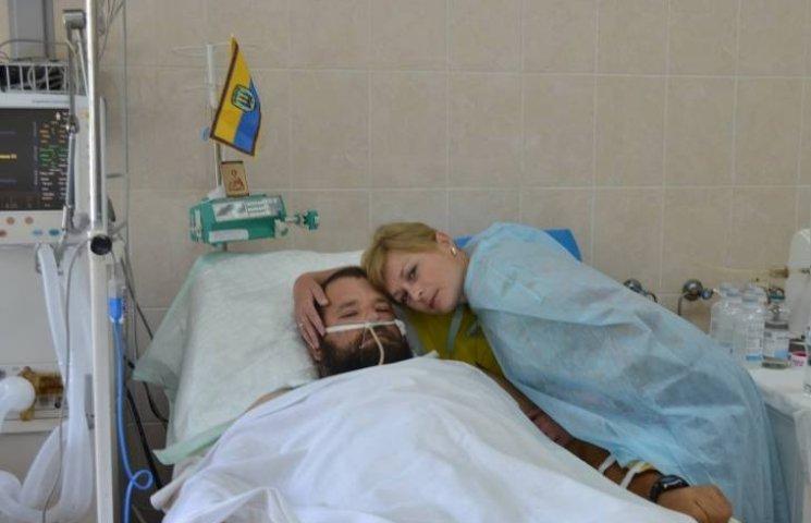 Миколаївський лікар врятував сумчанина, що підірвався на міні під Мар