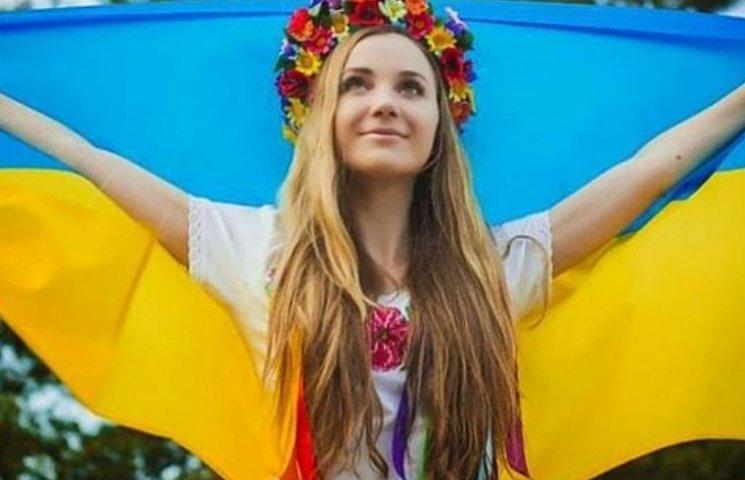 Українське кіно і концерти: миколаївціям розповіли, куди піти у День молоді