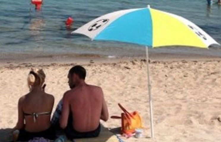 Поплавав: на миколаївському курорті обікрали молдованина