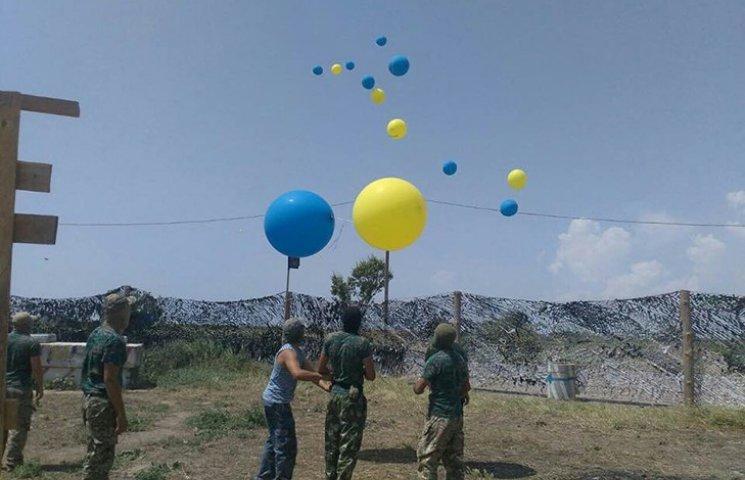 """Кримськотатарський батальйон відправив """"повітряні листи"""" окупантам"""