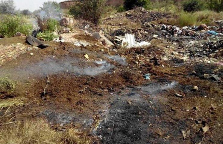 Миколаївські рятувальники назвали попередню причину пожежі на сміттєзвалищі