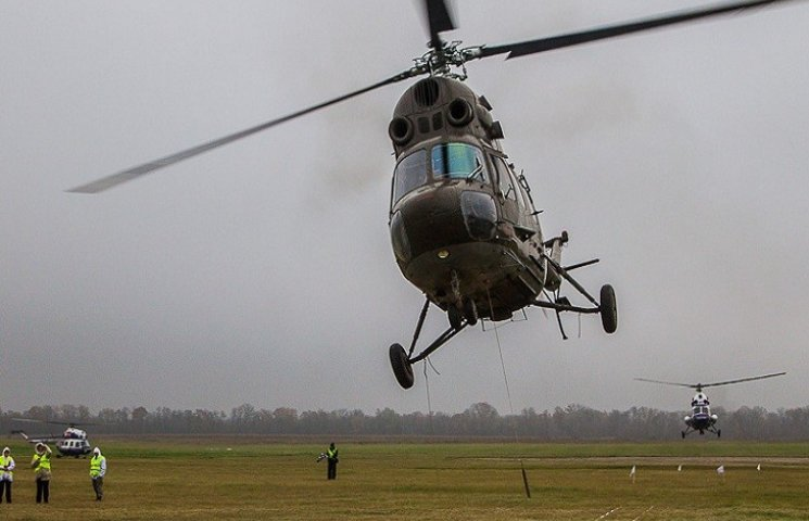 На Харківщині впав гелікоптер: дві людини в лікарні