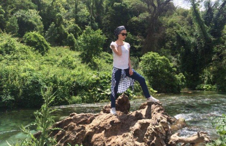 Зіркова відпустка: Приходько гайнула з чоловіком в Албанію і заспівала з албанцями пісню про Путіна