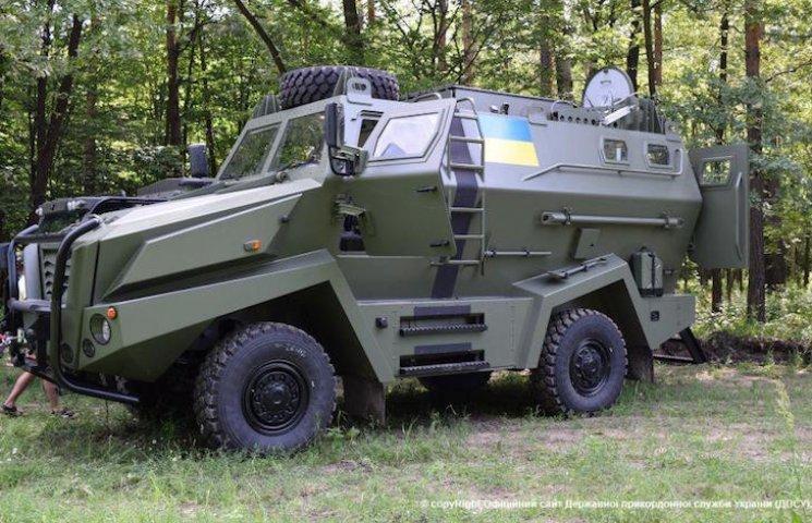 В Україні тестують новий бронеавтомобіль для війни