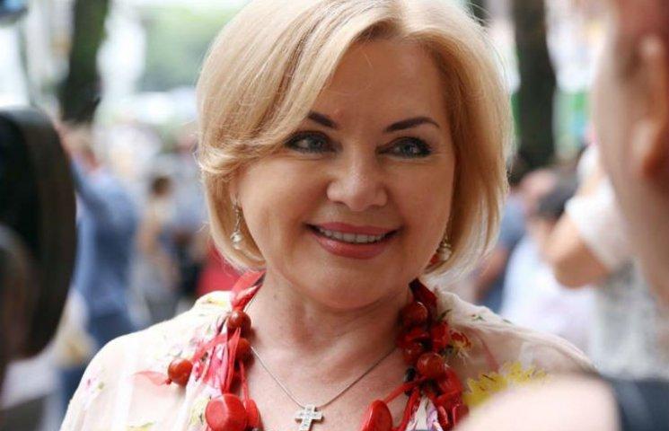 Жители Коцюбинского поблагодарили Оксану Билозир за участие в объединении общины