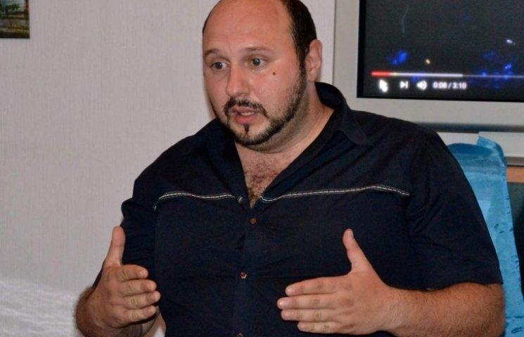 Миколаївський волонтер, якого підозрюють у привласненні коштів, не визнає провини