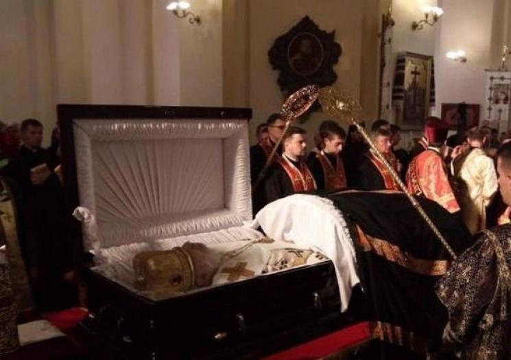 Патріарх Філарет прийшов попрощатися зЛюбомиром Гузаром