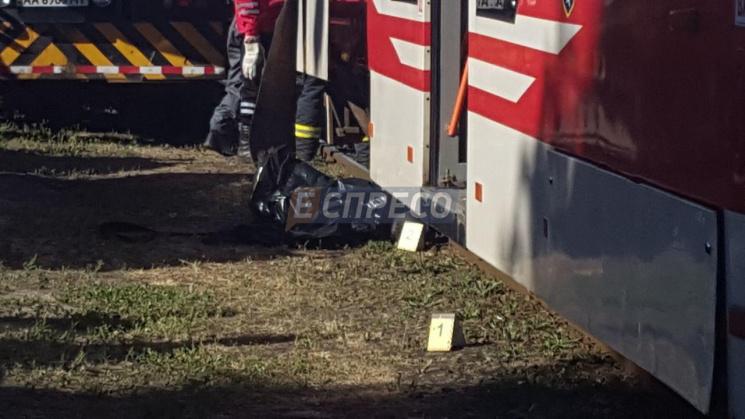 ВКиеве трамвай насмерть задавил женщину