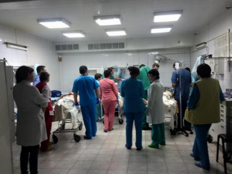У Дніпрі лікарі рятують бійця з відірваними вибухом ногами