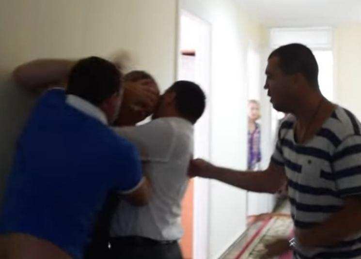 Поліція кваліфікувала бійку миколаївських депутатів як хуліганство
