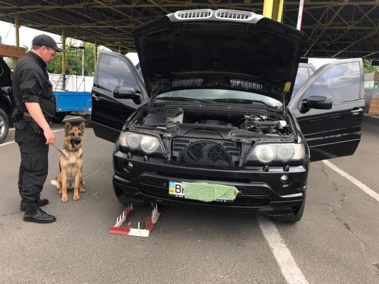Одесские таможенники  отыскали  иномарку, которую 12 лет разыскивал Интерпол