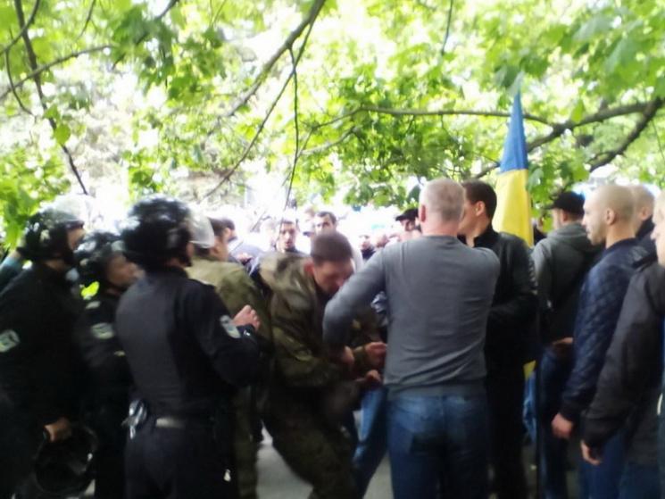 Правоохоронці затримали щеодного обвинувачуваного упобитті АТОвців 9 травня уДніпрі