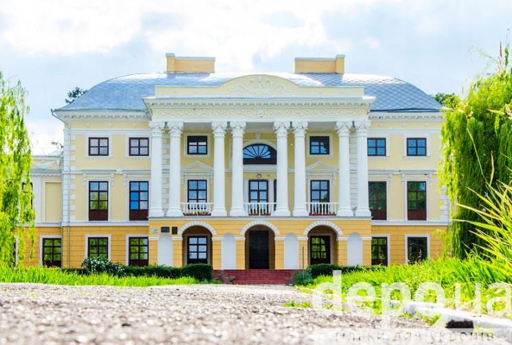 Реставрация легенды: Как возродился дворец под Винницей, где человек учился летать