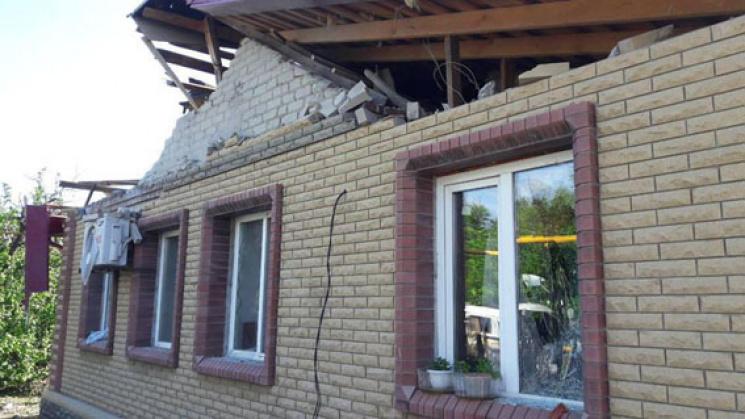 Донеччина: бойовики обстріляли житлові квартали, загинув мирний житель, ФОТО