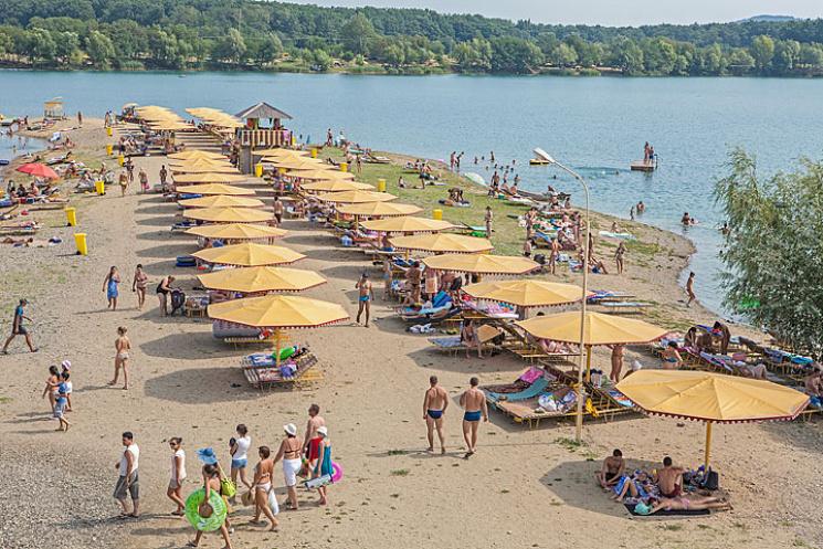 На Закарпатті лише шість пляжів придатні для відпочинку