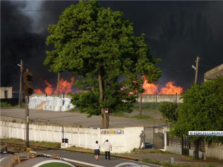 В окупованому Криму пожежа знищила на залізниці склад зі шпалами