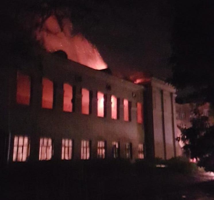 ВОдесі під час пожежі вбудівлі вибухнув газовий балон
