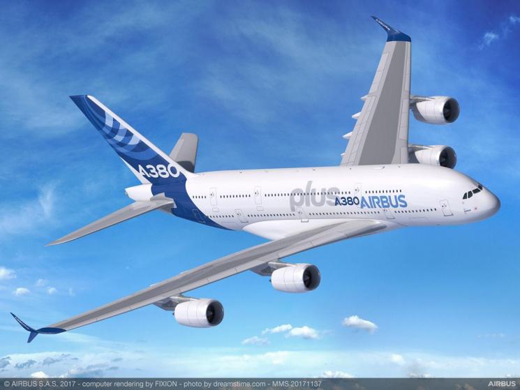 Airbus представив нову версію найбільшого в світі пасажирського літака