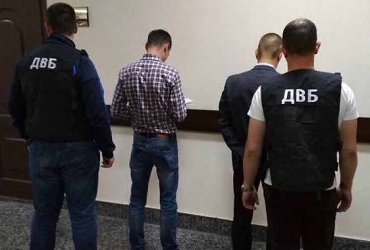 Фальшиві дані: Вінницький поліцейський організував продаж наркотиків, але не для наживи
