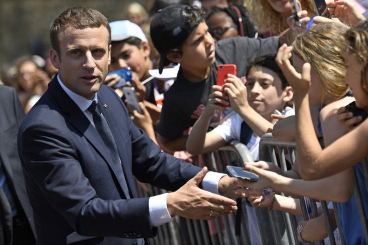 """Чим небезпечна для ЄС """"нова французька революція"""""""