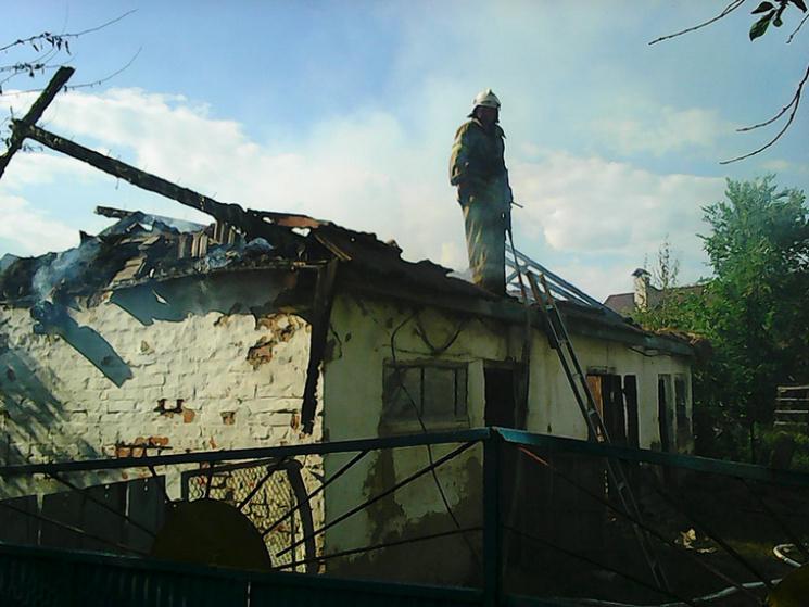 На Полтавщині вщент згорів господарчий будинок