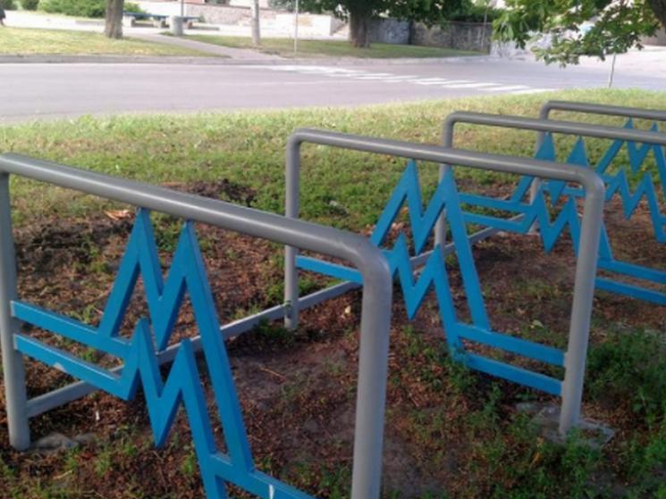 У Миргороді встановлюють велопарковки