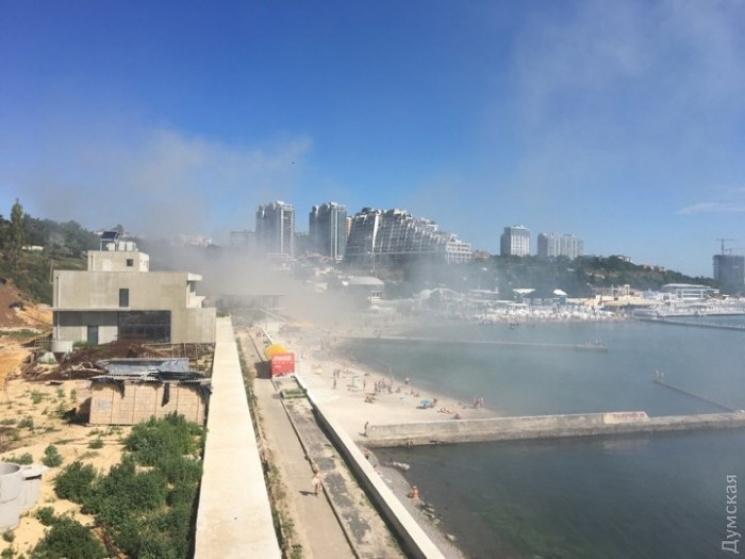 В одеській Аркадії палають два ресторани
