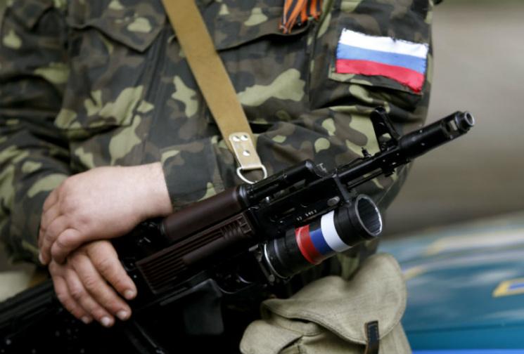 На Донбасі бойовики відкрили вогонь, коли місцеві жителі не дозволяли їм демонтувати вежу