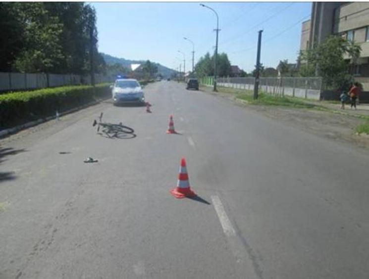 У Мукачеві під колесами авто опинився 13-річний велосипедист